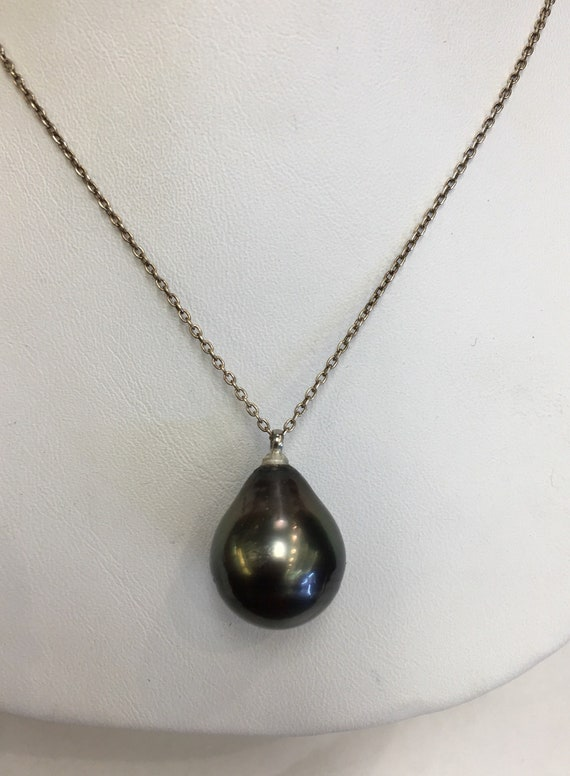 Tahitian South Sea Pearl Pendant    Perfect  Drop Shape  Great Color Silver Chain