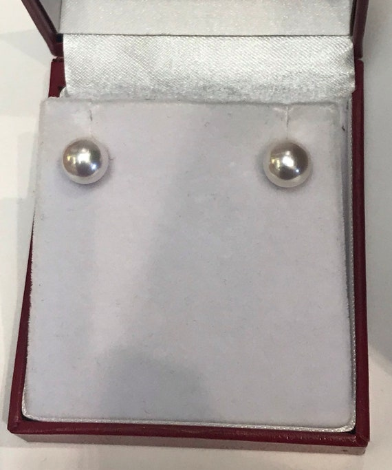 8mm Fine AAA Quality  Japanese Akoya Pearls  18k Gold