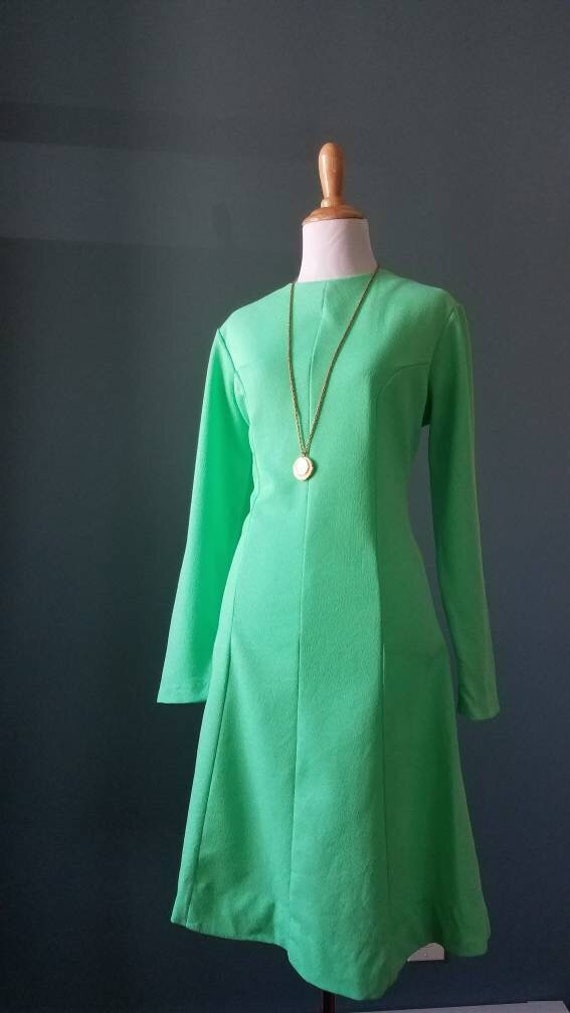 Vintage 60s / 70s Mint Green Lime Green Mod Dress