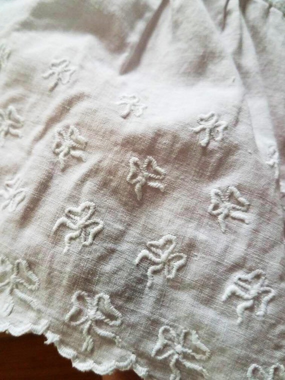 Antique Victorian / Edwardian Embroidered Cotton P
