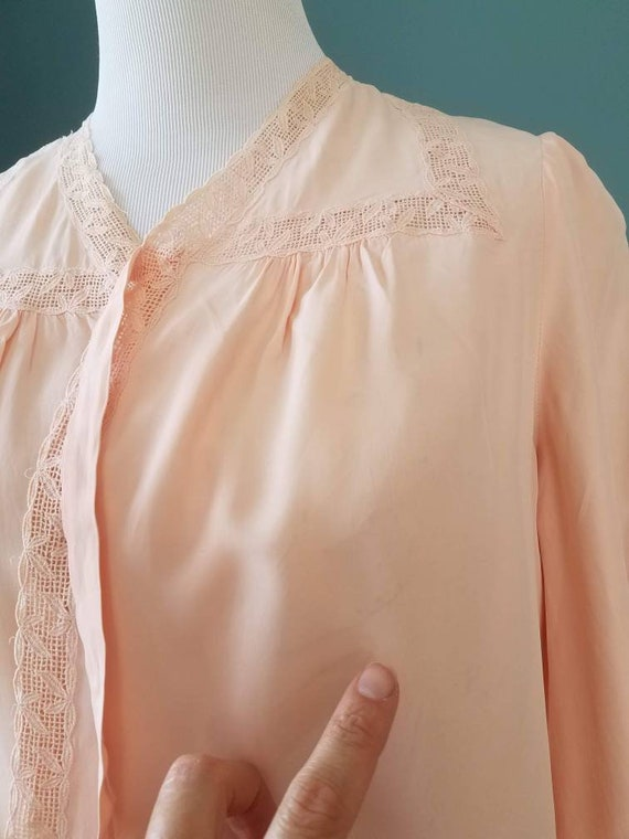 1940s // 1950s  Blush Pink // Peach Lace Bed Jack… - image 10