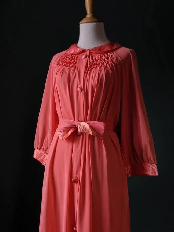 Vintage 40s style 50s 60s Coral Pink Salmon Pink P