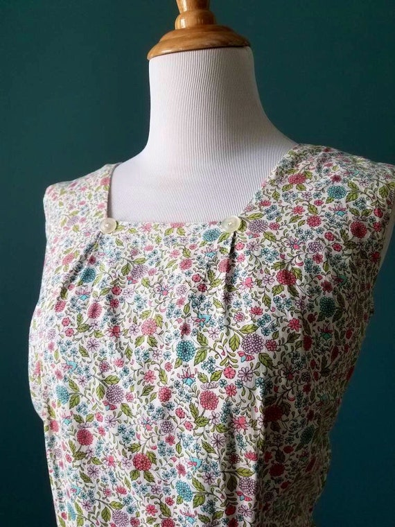 30s / 40s Vintage Floral Cotton House Dress / Day