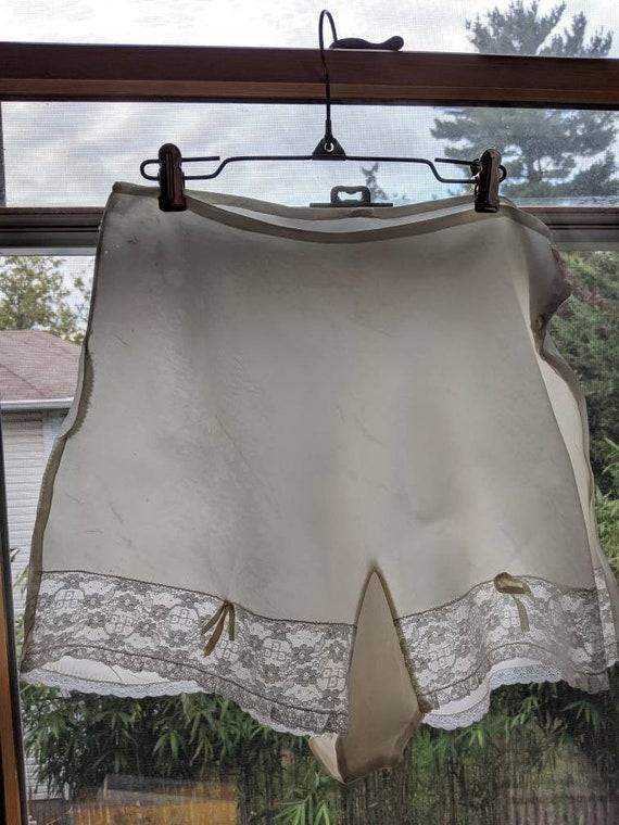 Vintage 30s 40s White Lace Tap Pants Boudoir Panti