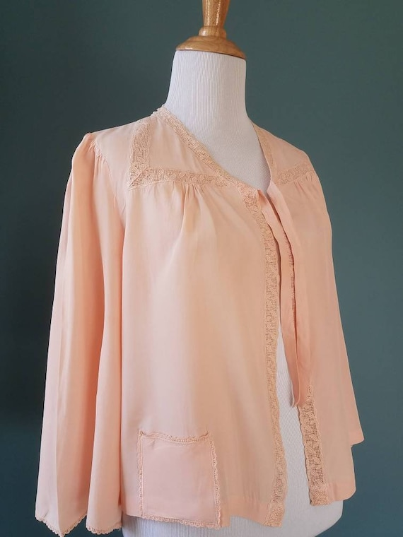 1940s // 1950s  Blush Pink // Peach Lace Bed Jack… - image 5