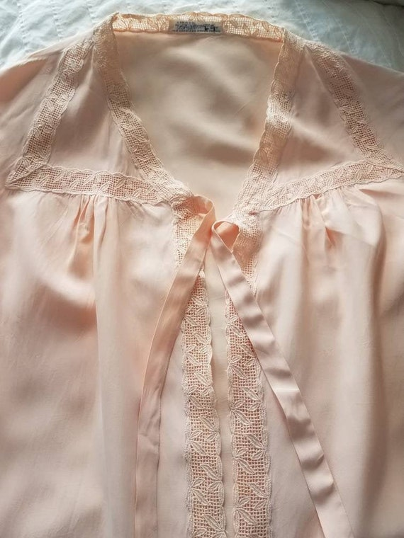 1940s // 1950s  Blush Pink // Peach Lace Bed Jack… - image 1