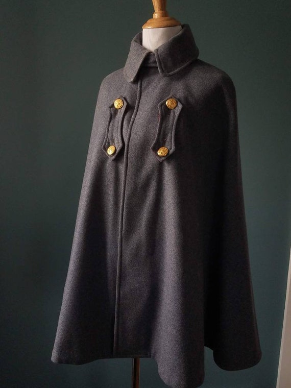 RARE! 1900's Victorian Wool Nurse Cape/Cloak - image 1