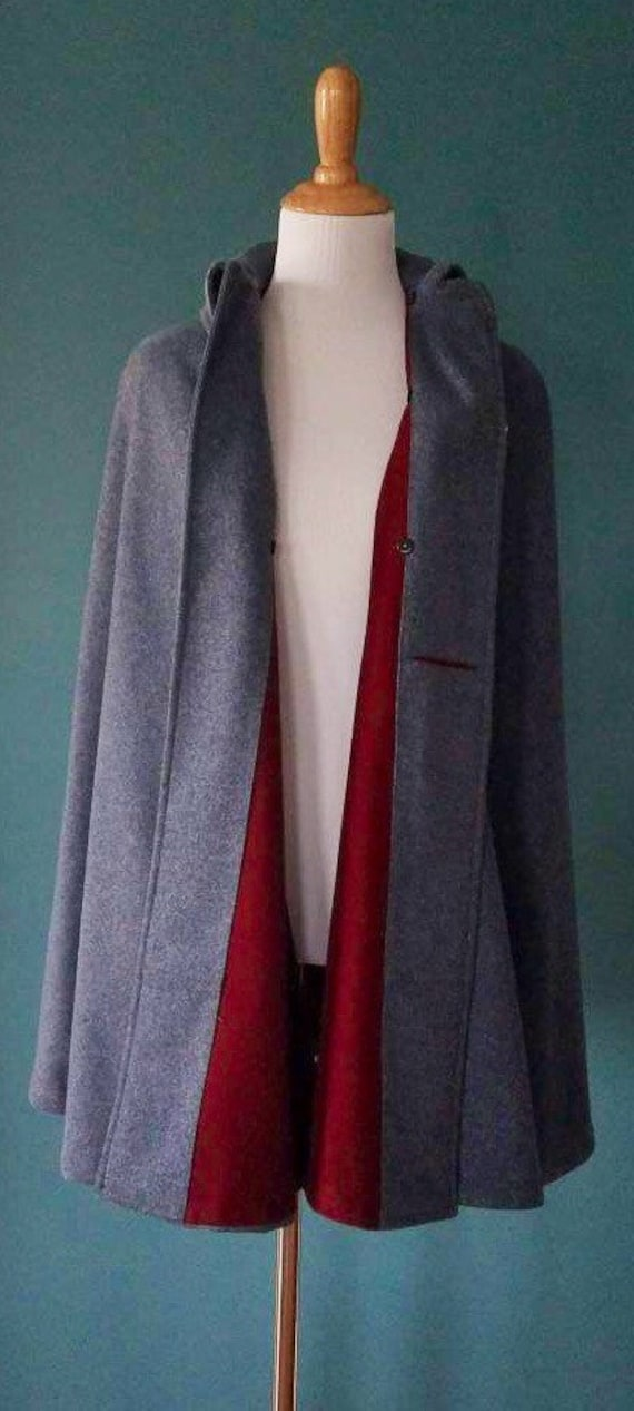 RARE! 1900's Victorian Wool Nurse Cape/Cloak - image 7