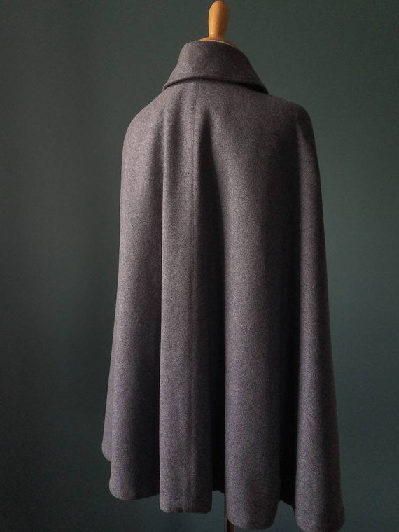 RARE! 1900's Victorian Wool Nurse Cape/Cloak - image 5