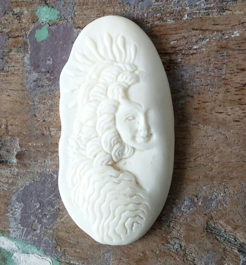 Neckalce Pendant E370 Carving Recycle Jewelry Making Native American Beautiful Carving Buffalo Bone