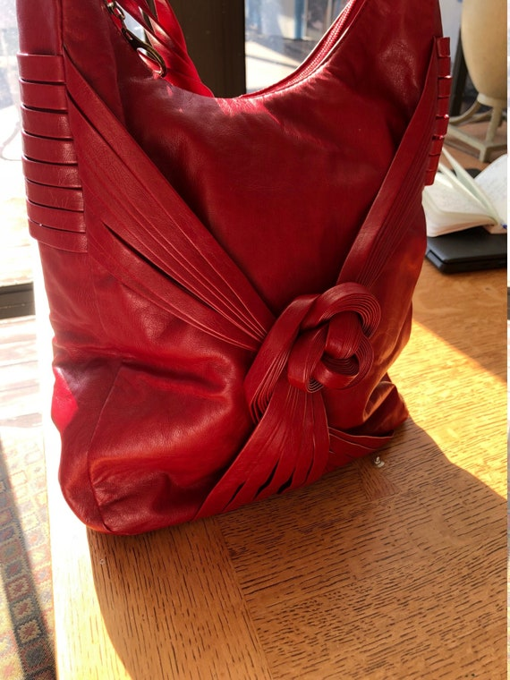 80s Vintage Red Faux Leather handbag with knot det