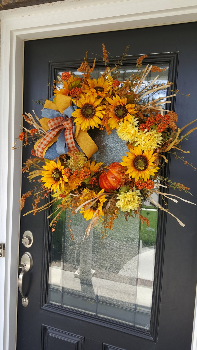 Rustic Farmhouse Wreath Housewarming Gift Harvest Decor for Outdoor Fall Sunflower and Pumpkin Grapevine Wreath for Front Door