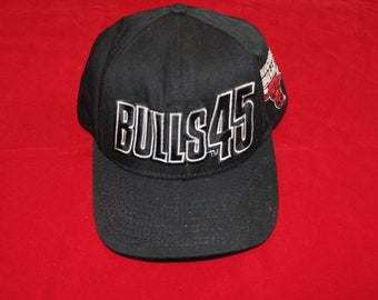 f91aafd84f9763 Chicago Bulls Vintage 90s Snapback Hat Jordan Returns Starter