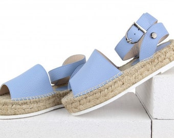 Sandals-espadrilles white on high soles