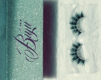 100% 3D Mink eyelashes- Iconic