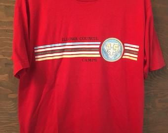 Vintage des années 80 Illowa Conseil BSA Boy Scouts d Amérique Iowa rouge  tee tees tshirt     vintage 1980 BSA camping tee tshirt Large ec180d97099