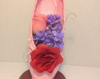 Princess Flora - decorated pointe shoe