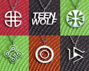 Teen Wolf Pendant Teen Wolf Necklace Alpha Triskelion Symbol Five-Fold Knot Logo Shield Knot Symbol Beacon Hills First National Bank Logo