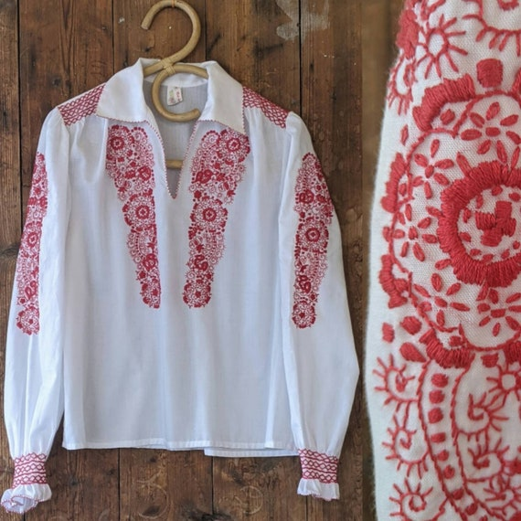 70s embroidered smocked  peasant blouse XS, S/M