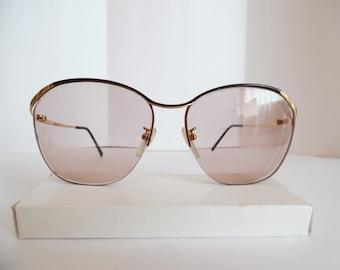 a5cd32dfb92 Vintage Womens Tura Eyeglasses Used Gold Frame Prescription Glasses