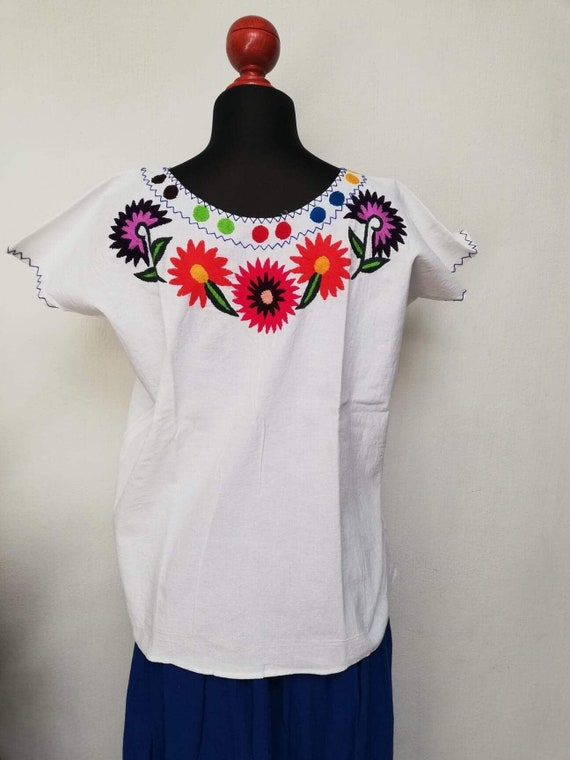 blouse embroidered in chain and flowers ethnic blouse Mexican handmade blouse with beautiful hand embroidery blanket blouse.
