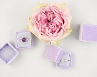 Velvet ring box - Vintage ring box - Wedding - Gift - Lilac