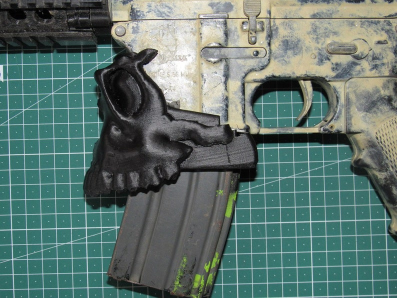 M4 MAGWELL Skull AIRSOFT ONLY!