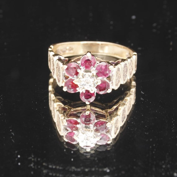 1970s 9ct Gold Red and White multi stone ring. Vin