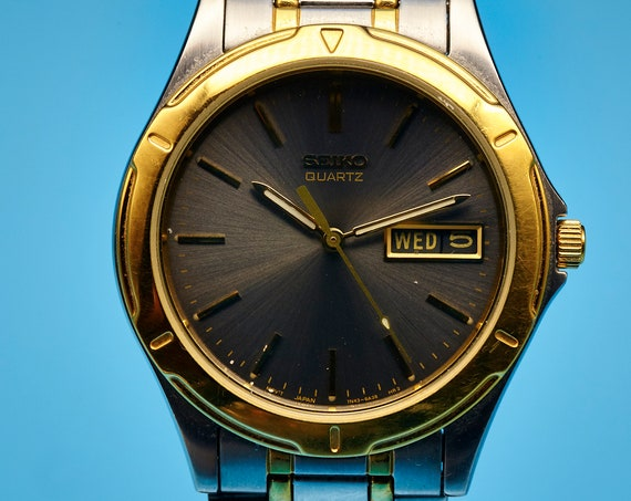 AWESOME Vintage Seiko Men's Unisex Watch | Stainless Steel 1980s Vintage Japanese Watch for Women or Men | Sturdy and Unforgettable Gift