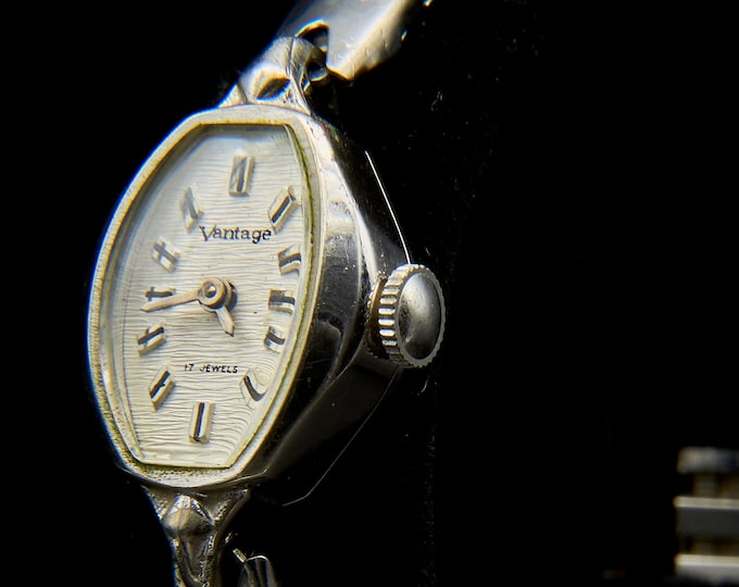 "ELEGANT! Dainty, 60s Hamilton ""Vantage"" Ladies Vintage Cocktail Watch • Mid Century • Vintage Heirloom Estate Jewelry"