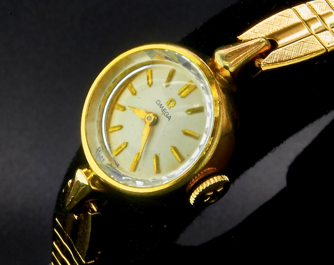 "Dainty 1962 Omega ""Lunette"" 14k Yellow Gold Plated Ladies Cocktail Watch / Gold tone Stainless Kreisler Cobra Bracelet"