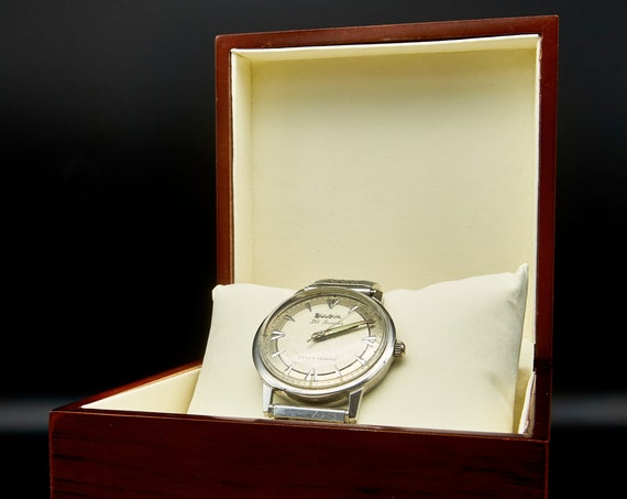 Wooden gift/display box for watches - deep red-brown - (WATCH NOT INCLUDED)