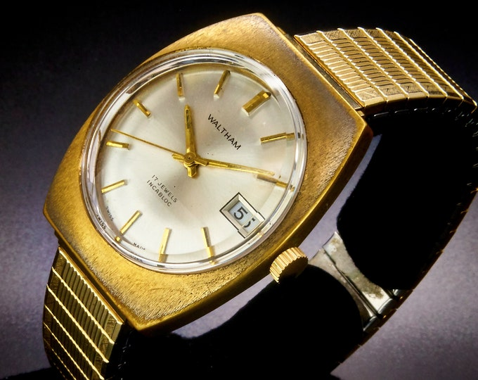 Retro 1972 Waltham Mechanical Watch •LIKE NEW CONDITION •Man's/Unisex • Mid Century Modern •Day/Date •Speidel Stretch Metal Bracelet