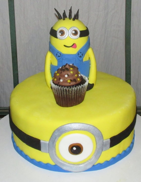 Large Minion cake topper. Will include child\'s name in | Etsy