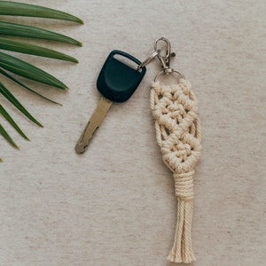 Macrame Keychain  Key ring  Boho Keychain  SPIRAL macrame accessories