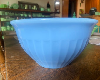 """Jeanette Delphite 8"""" Vertical Ribbed Mixing Bowl"""