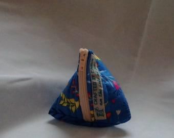 Small pouch purse