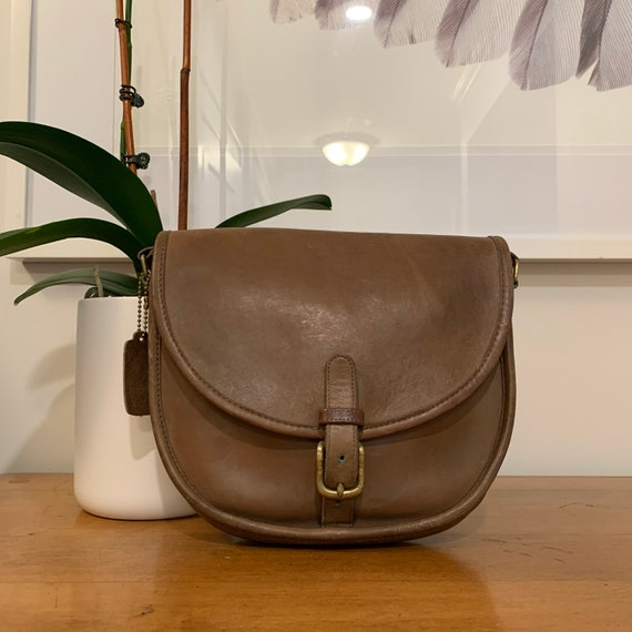 Vintage COACH Buckle Saddle Bag // NYC // Bonnie C