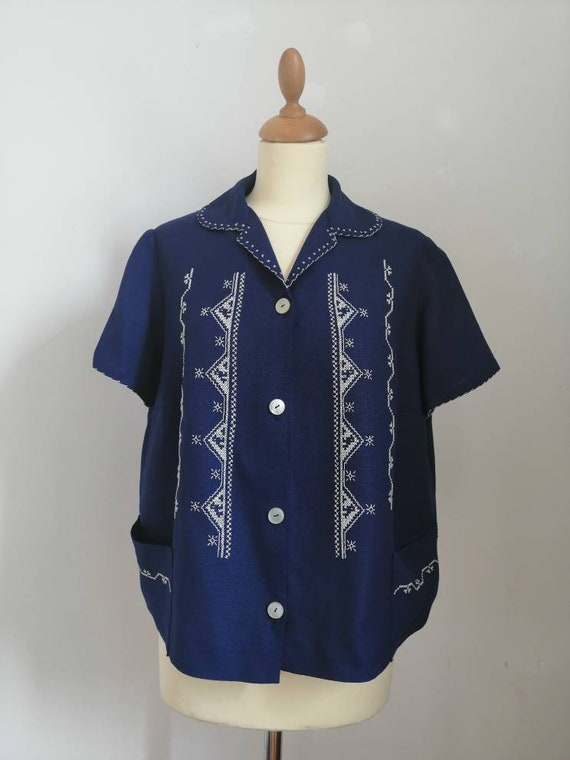 Vintage 40s blouse, deep blue blouse, embroidered