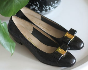 Salvatore Ferragamo Shoes | Vara Pumps | Vara Bow Flats | Vintage Designer Shoes | Made in Italy | Italian Shoes | Size 7 Shoes | Leather