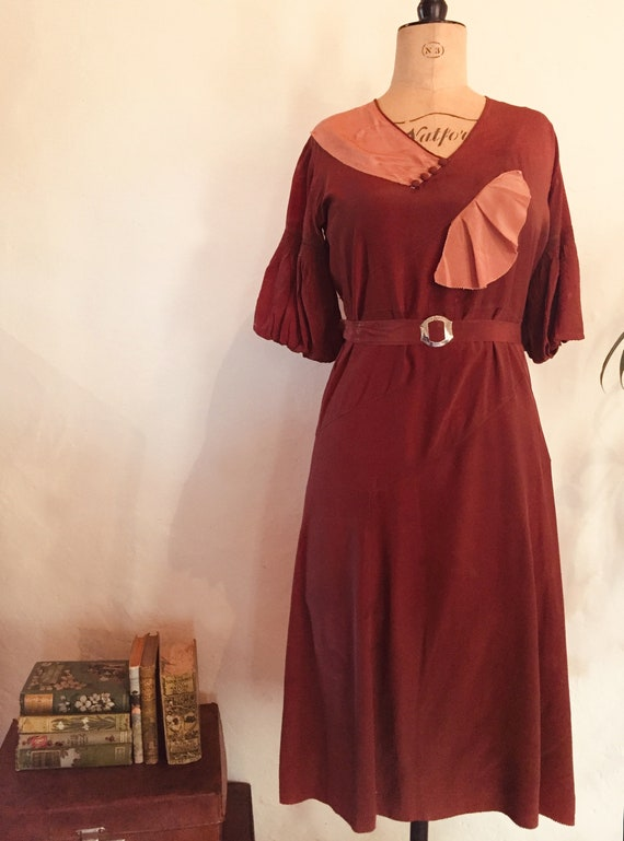 Beautiful 1930s silky rayon rich russet brown and