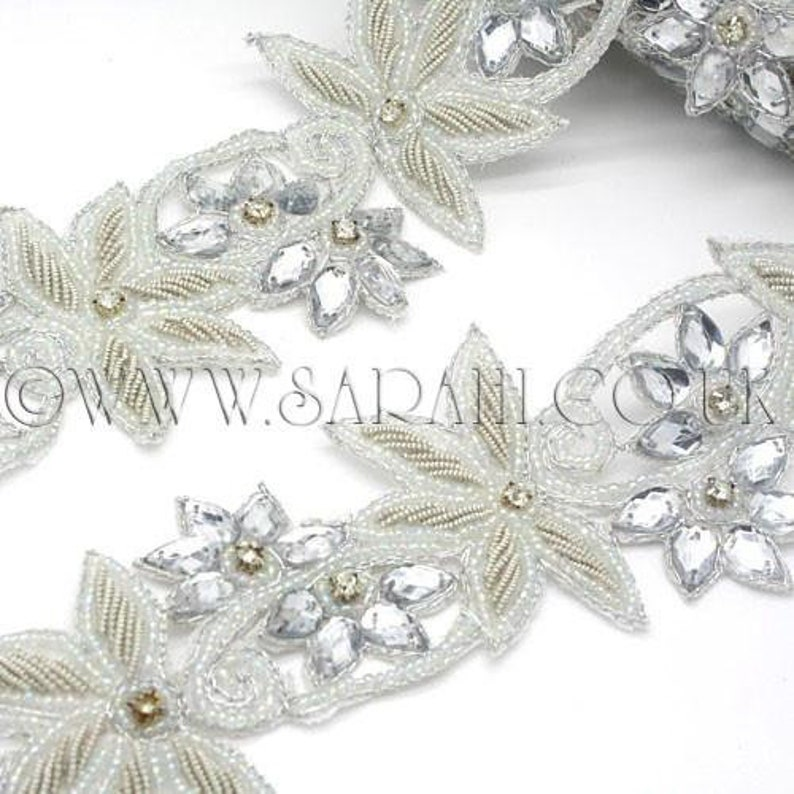 WHITE SILVER FLORAL  sequin trim,beaded trim,trimming,costume,edging,stones,beads,fashion,art,crafts,sewing,embellishment,decoration
