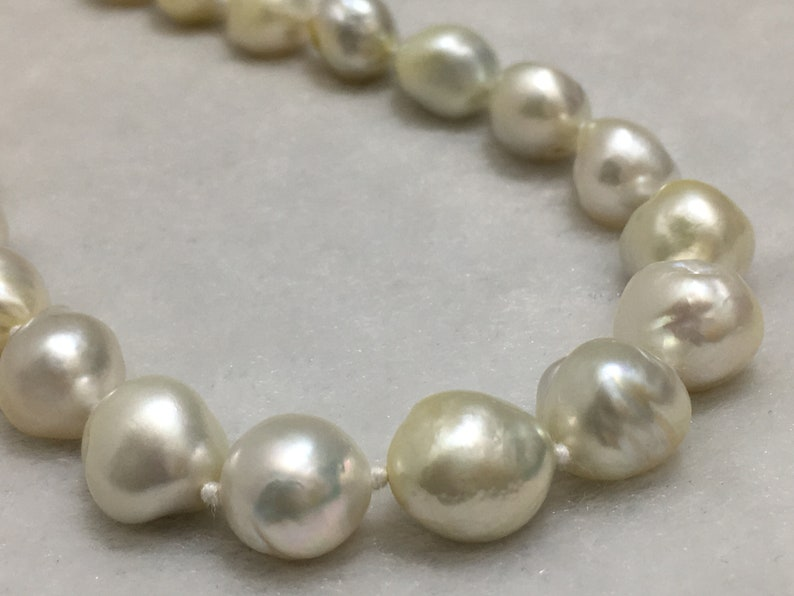 8.5-11 mm Size Cream Color Baroque Shape Pearl Necklace South Sea Pearl With  Silver Lock