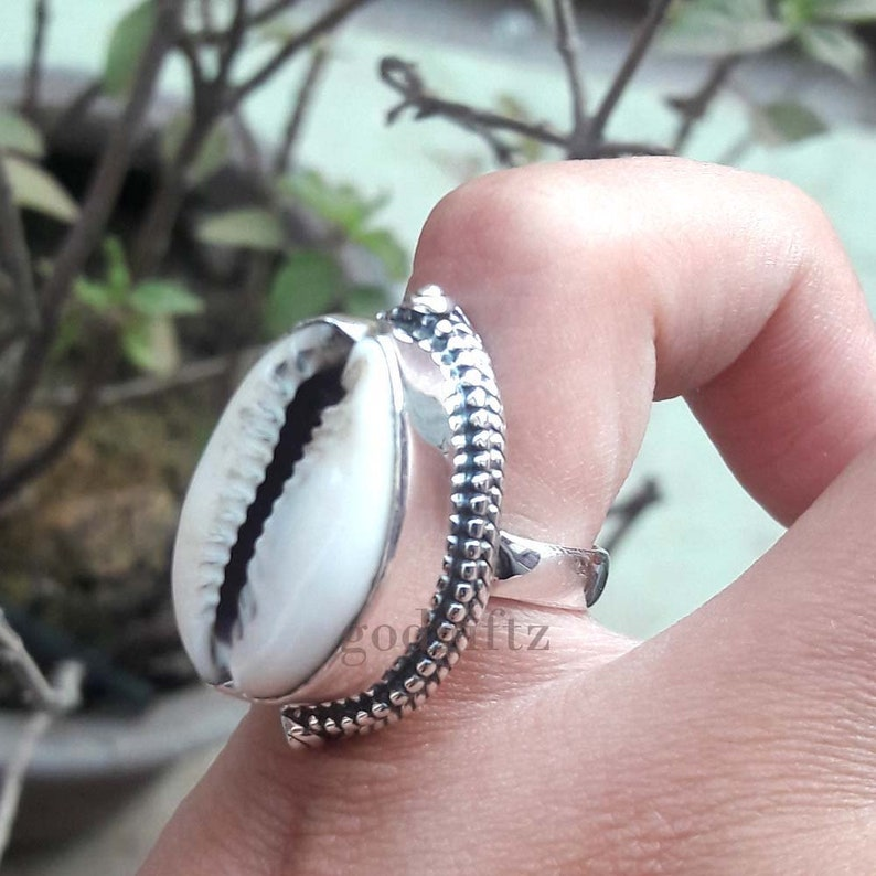 9f1198847cdde New Cowrie Shell Ring, 925 Sterling Silver Ring, Codie Shell Ring, Bohemian  Ring, Beach Shell Ring, Handcrafted Ring,Twist Ring Special Gift