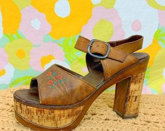 73952d0ab4c Vintage 60s 70s Cork Tooled Leather Platform Heels
