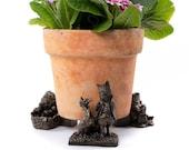 Antique Bronze Beatrix Potter Mrs Tiggy-Winkle and Friends Potty Feet Plant Pot Feet x 3 - Pot Risers, Pot Stands, Plant Supports, Yard Art.