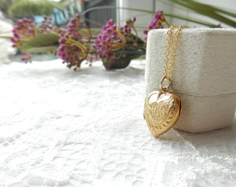 Wedding or Anniversary Gift Vintage 9k Yellow Gold Oval Shaped Puffy Quilted Locket made in England