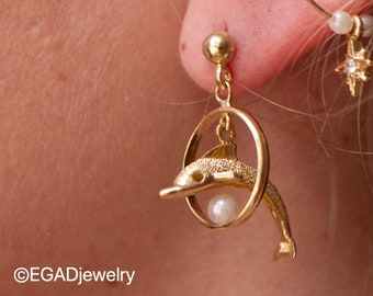 Vintage 14K Yellow Gold Dolphin with Pearl Hoop Earrings
