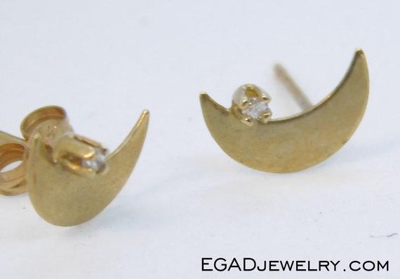 Vintage 14k Yellow Gold Moon Earrings with Diamond
