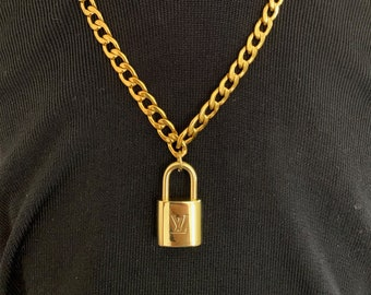 52e1b2d6e6deb Chain lock necklace | Etsy